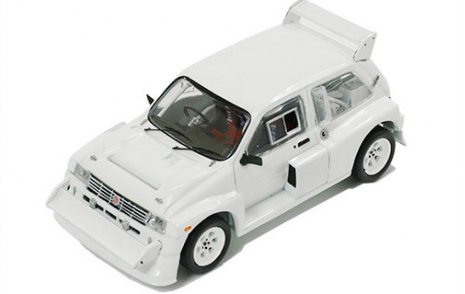 MG METRO 6R4 RALLY SPEC.1985 WHITE + 4 RUOTE DI SCORTA 1:43